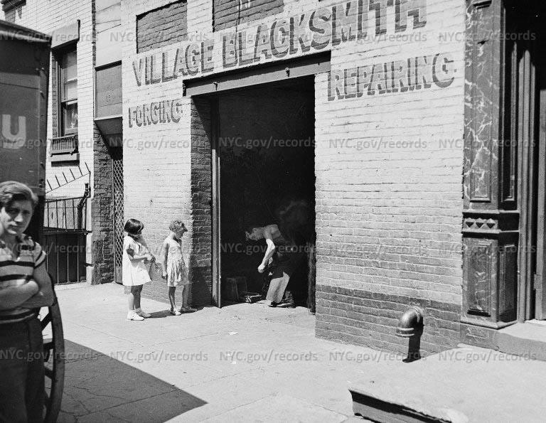 Village Blacksmith (Italian)