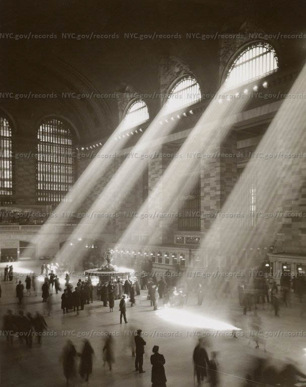 Vaulted room of Grand Central Terminal, East 42nd and Vanderbilt Avenue, New York City