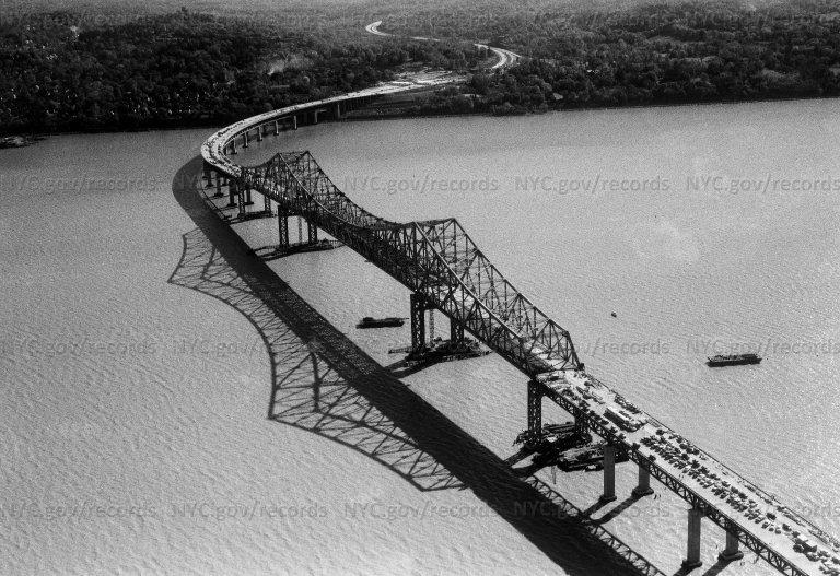 Air view: Tappen Zee Bridge